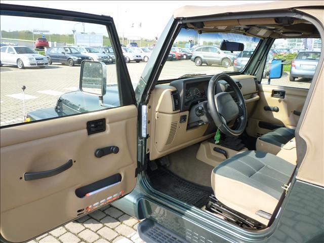 2002 Jeep Wrangler 4.0i HARD TOP SAHARA