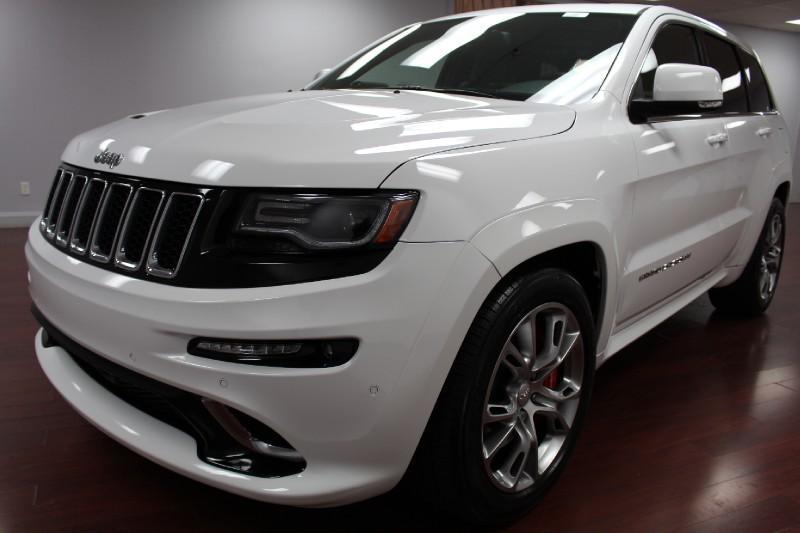2014 Jeep Grand Cherokee zářivě bílá / černá, první majitel, HEMI V8 for sale