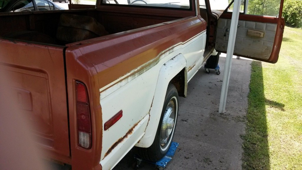 1975 Jeep J10 pickup