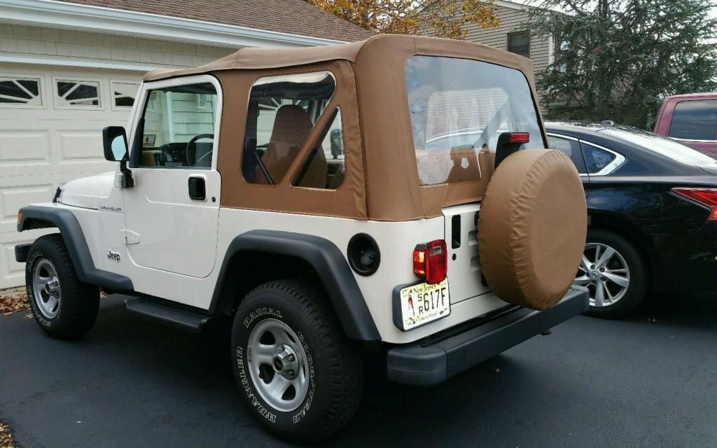 1997 Jeep Wrangler SE Sport Utility 2-Door 2.5L
