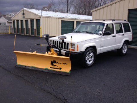 2000 Jeep Cherokee 4DR Sport 4WD  PLOW for sale
