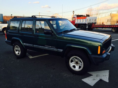 2001 Jeep Cherokee Sport 4WD SUPER LOW LOW MILES ONLY 38K!!! for sale