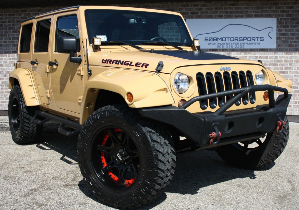 2013 Jeep Wrangler Sahara Lift