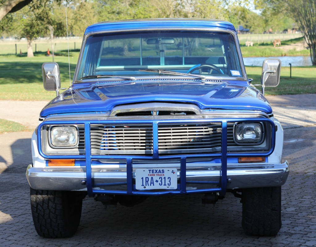 1979 Jeep J10 Base Standard Cab Pickup 2-Door 5.9L