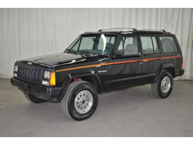 1991 jeep cherokee sport 4x4 one owner only 89k for sale. Black Bedroom Furniture Sets. Home Design Ideas