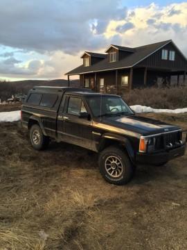 Jeep Comanche Pioneer for sale