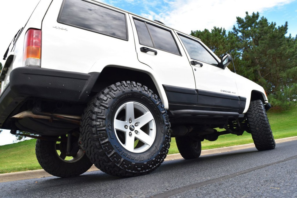 2001 Jeep Cherokee XJ 67k Miles Nitto Rubicon Express Lift