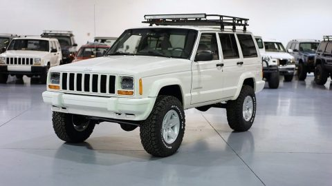 1999 Jeep Cherokee XJ SPORT 4l for sale