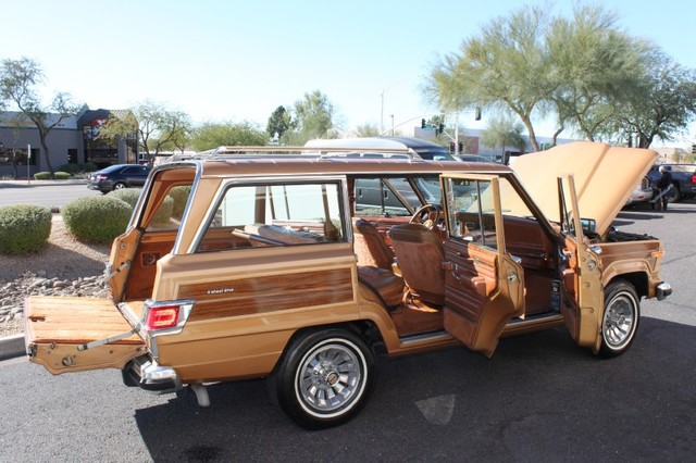 1983 Jeep Wagoneer Limited 4X4 117,820 Miles Topaz Gold 5.9L V8