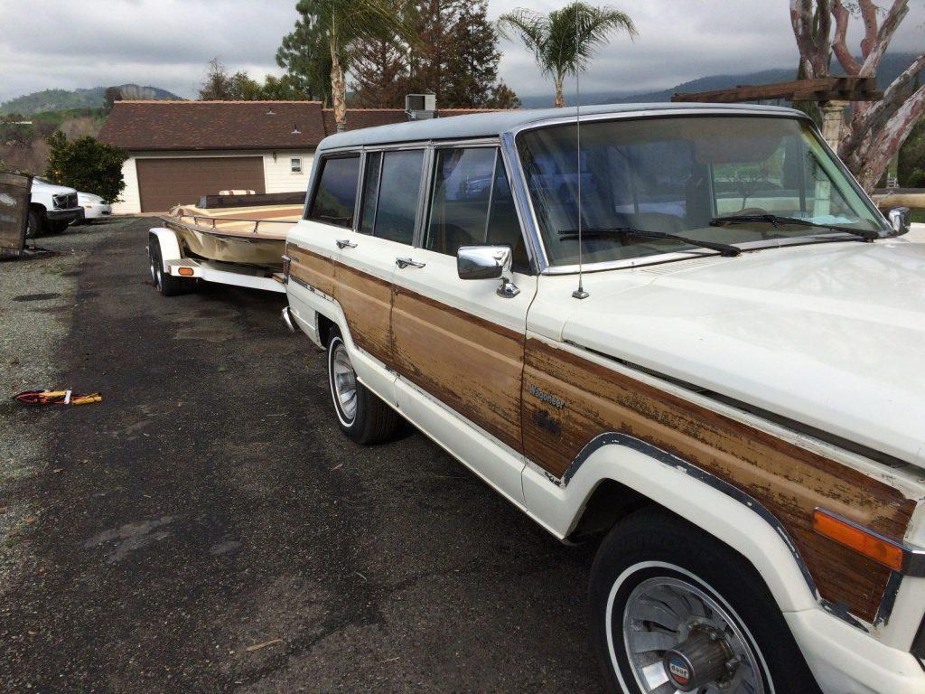 1983 Jeep Wagoneer Brown wood look