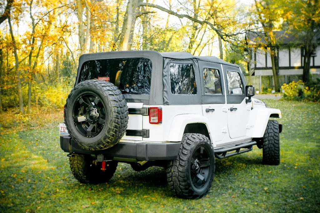 2015 Jeep Wrangler Unlimited Sport Utility 4-Door