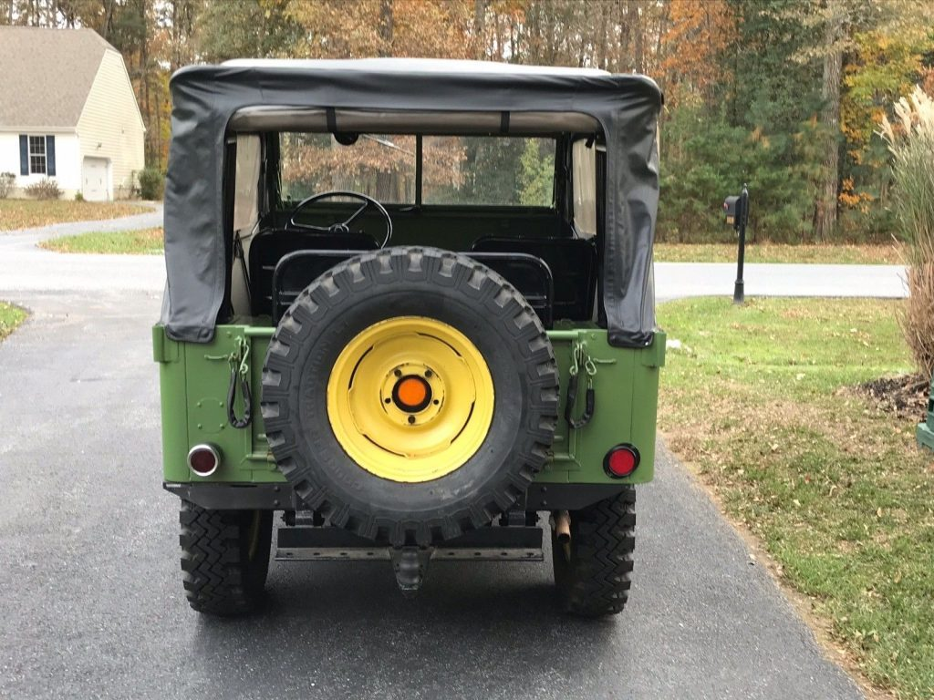 1946 Jeep Willys CJ2A Garage