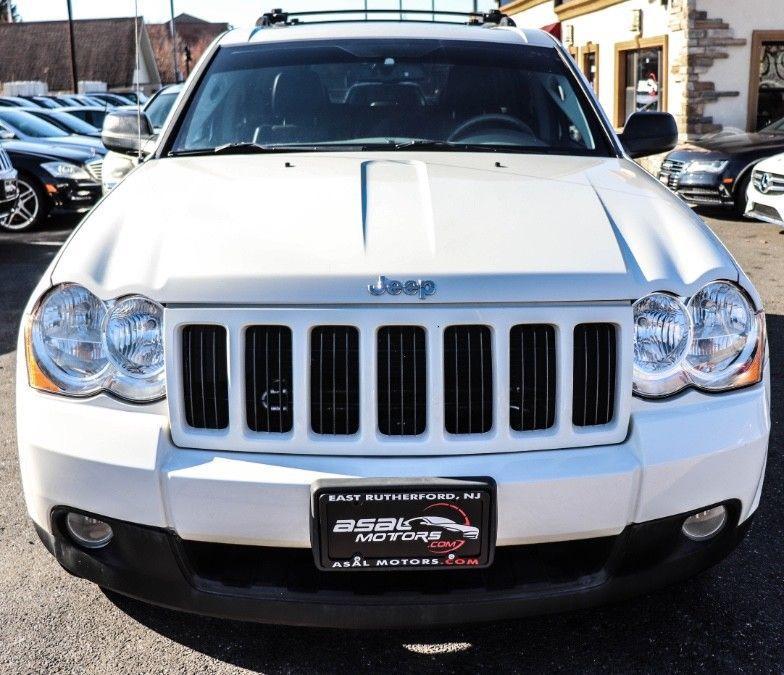 2010 Jeep Grand Cherokee 4WD Laredo