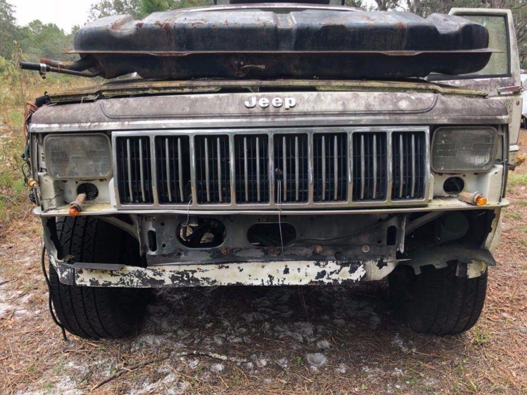 US $300.00!  1990 Jeep Cherokee
