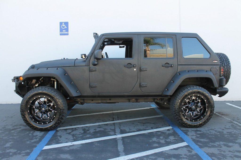 2012 Jeep Wrangler Unlimited Custom SHOW JEEP!