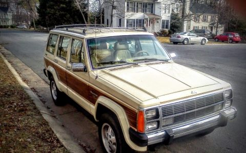 1987 Jeep Wagoneer LTD for sale