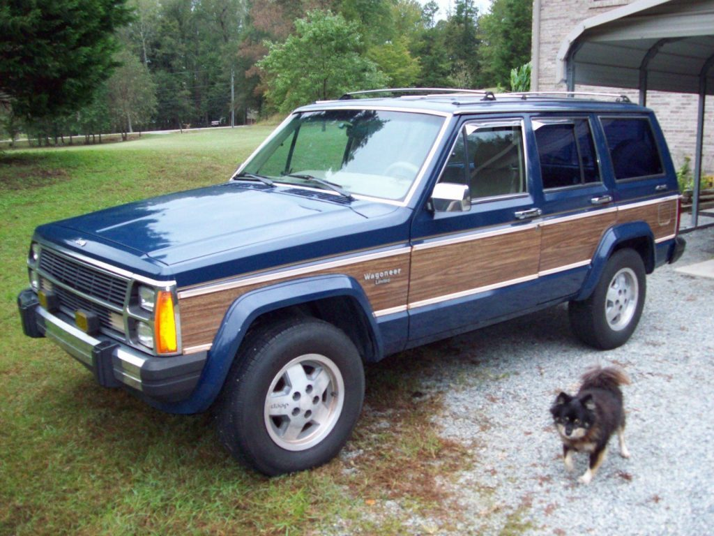 1989 Jeep Wagoneer Limited w/ Wood Grain Trim