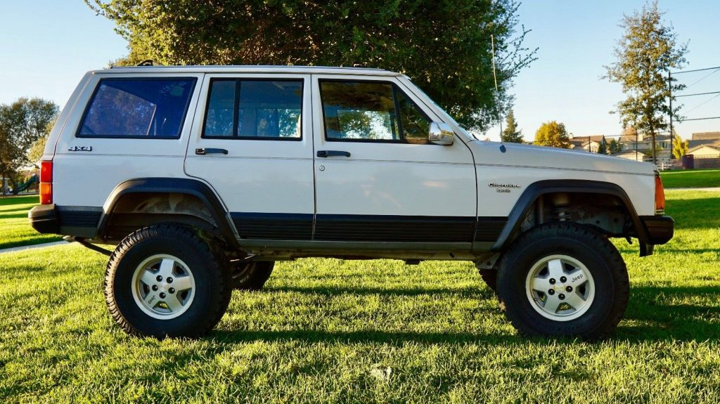 1990 Jeep Cherokee