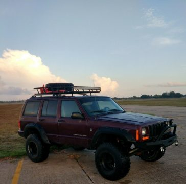 2000 Jeep Cherokee Classic for sale