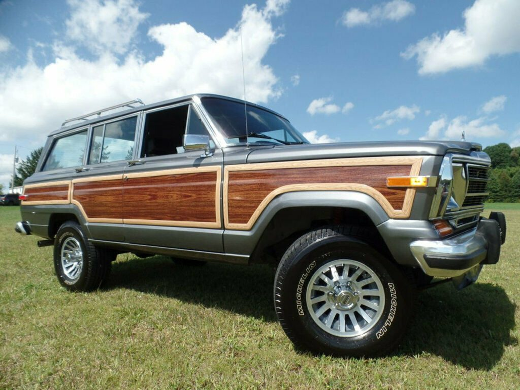 1990 Jeep Wagoneer 4dr Wagon 4WD for sale