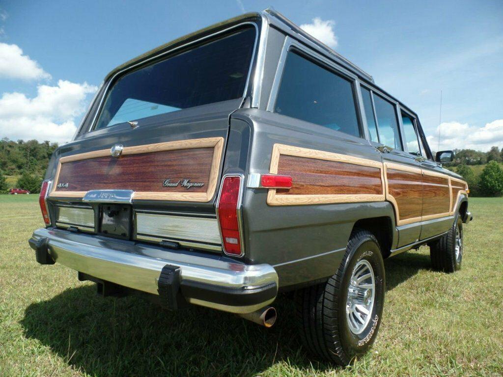 1990 Jeep Wagoneer 4dr Wagon 4WD