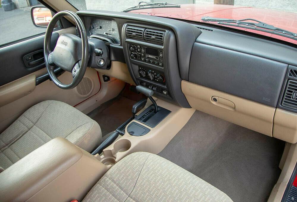 2001 Jeep Cherokee Sport 95K 4WD 4.0L Serviced 4×4 Carfax Southern!