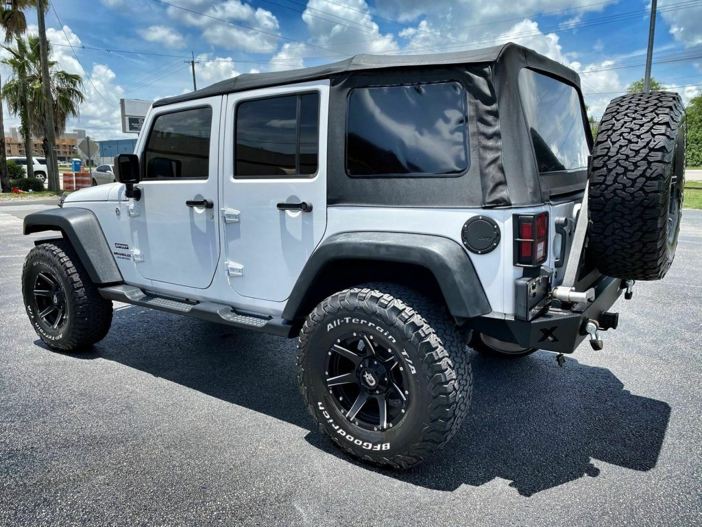 2015 Jeep Wrangler Custom Lifted NAV Dropstars 35″s WINCH
