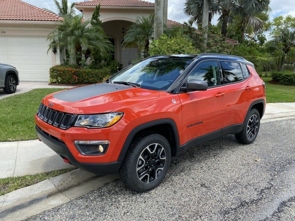 2018 Jeep Compass Trailhawk, 4×4 *LOW MILES!