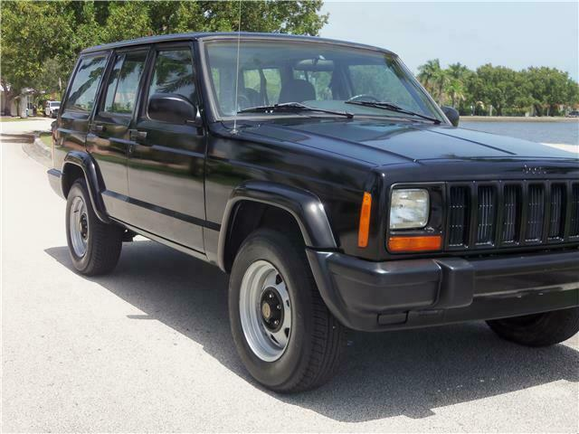 1998 Jeep Cherokee SE XJ ONE Owner ONLY 35K Miles Clean CARFAX!!!