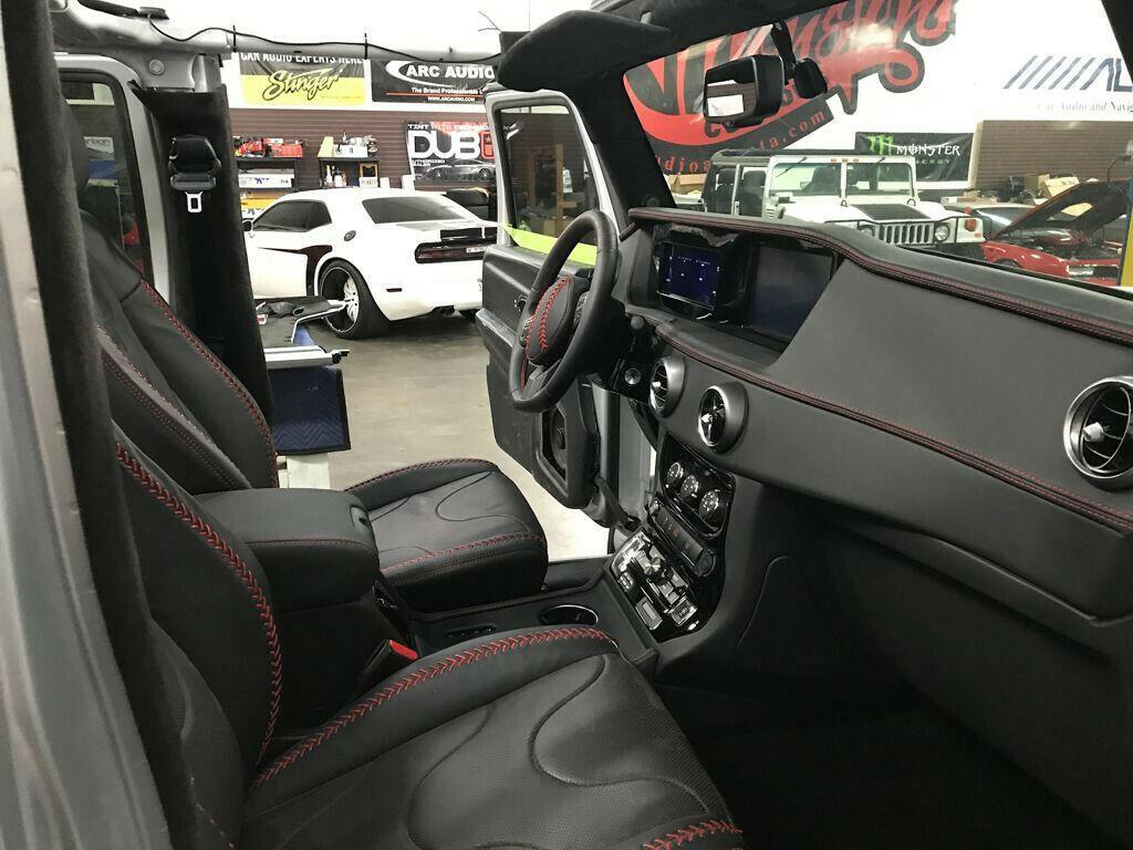 2012 Jeep Wrangler Custom 6×6 Extended Cab