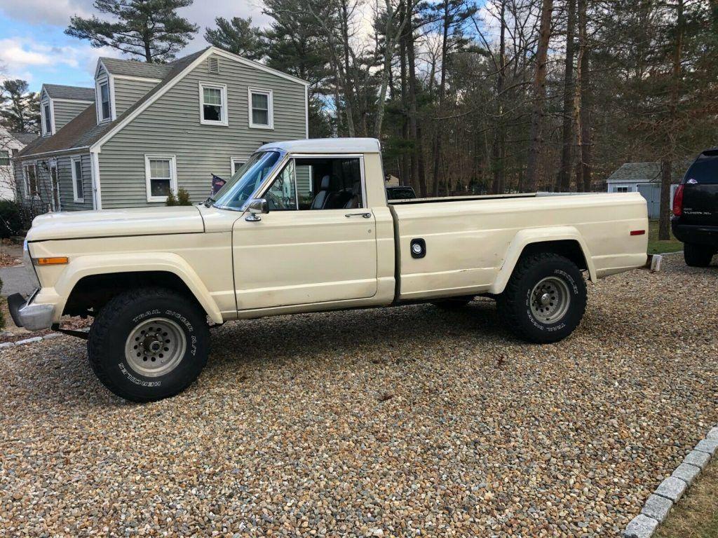 1985 Jeep J10 pickup