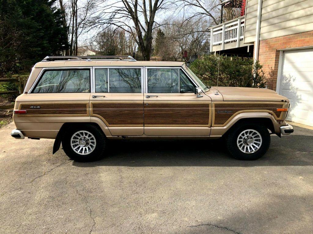 1990 Jeep Grand Wagoneer 5.9L