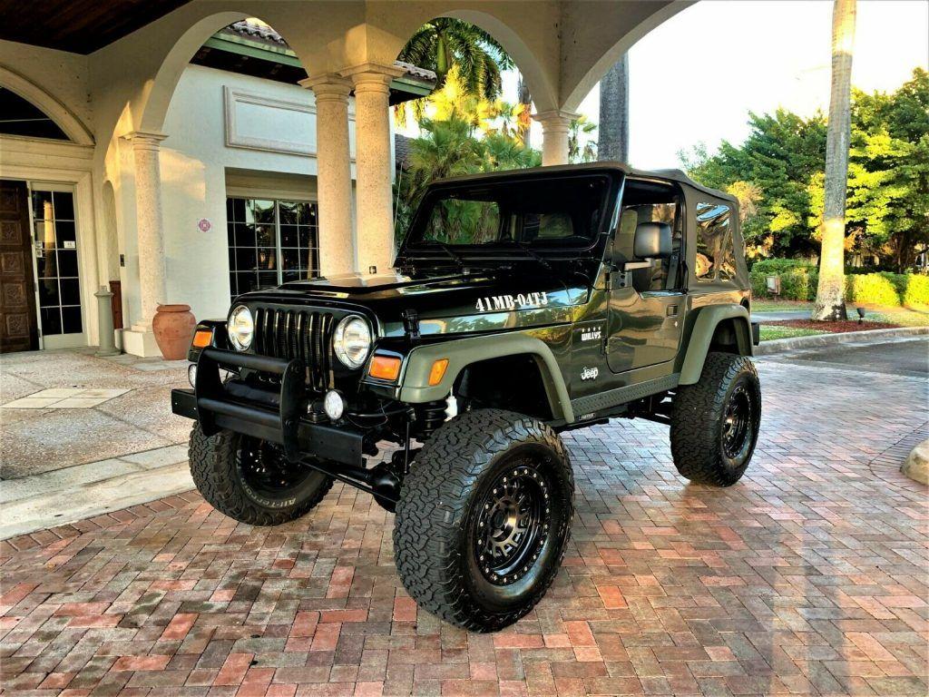 "2004 Jeep Wrangler Willys  18,000 Miles. ""mint""   Never LEFT FL,"