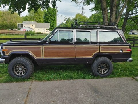 1990 Jeep Grand Wagoneer for sale