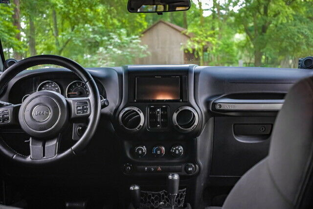 2011 Jeep Wrangler JK LIFTED