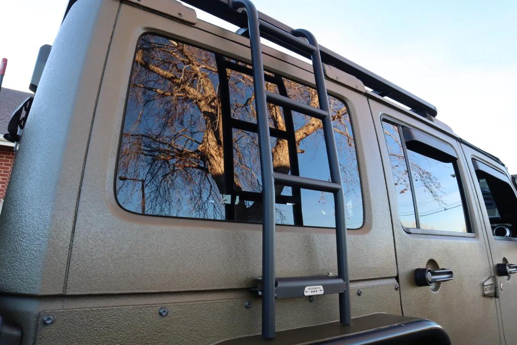 2015 Jeep Wrangler Unlimited Rubicon 6.4L Hem